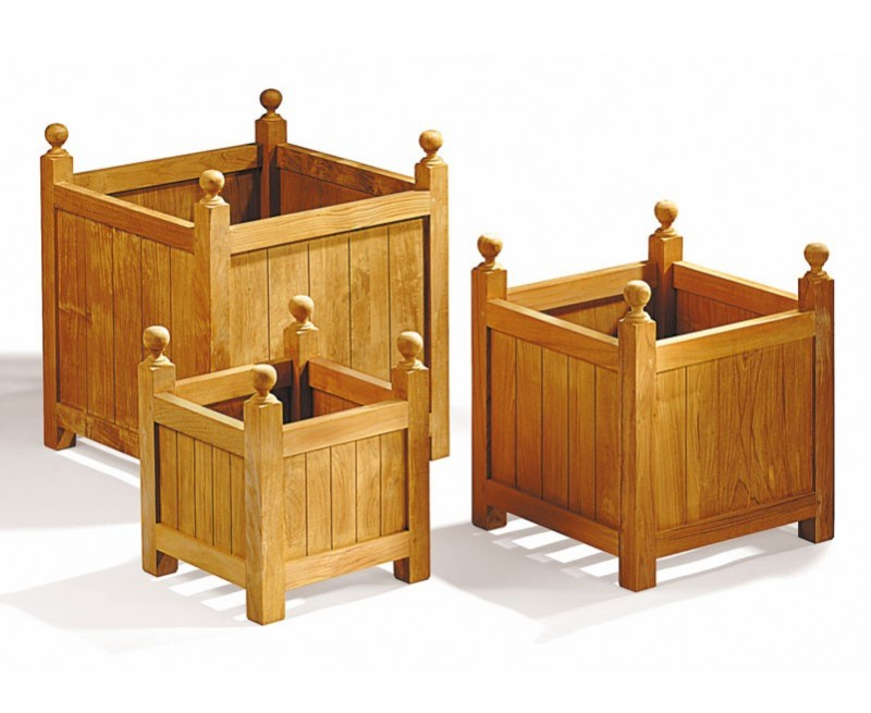 Set of 3 Wooden Outdoor Planters, Versailles Planters – S, L & XL